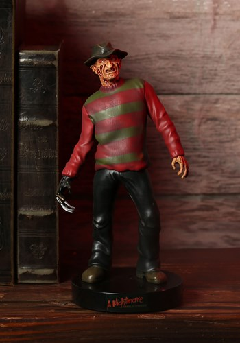 Nightmare On Elm Street Freddy Krueger Premium Mot