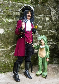 Mens Ultimate Captain Hook Costume Alt 1