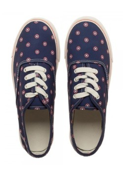Marvel Captain American Navy Womens Canvas Shoes Alt1