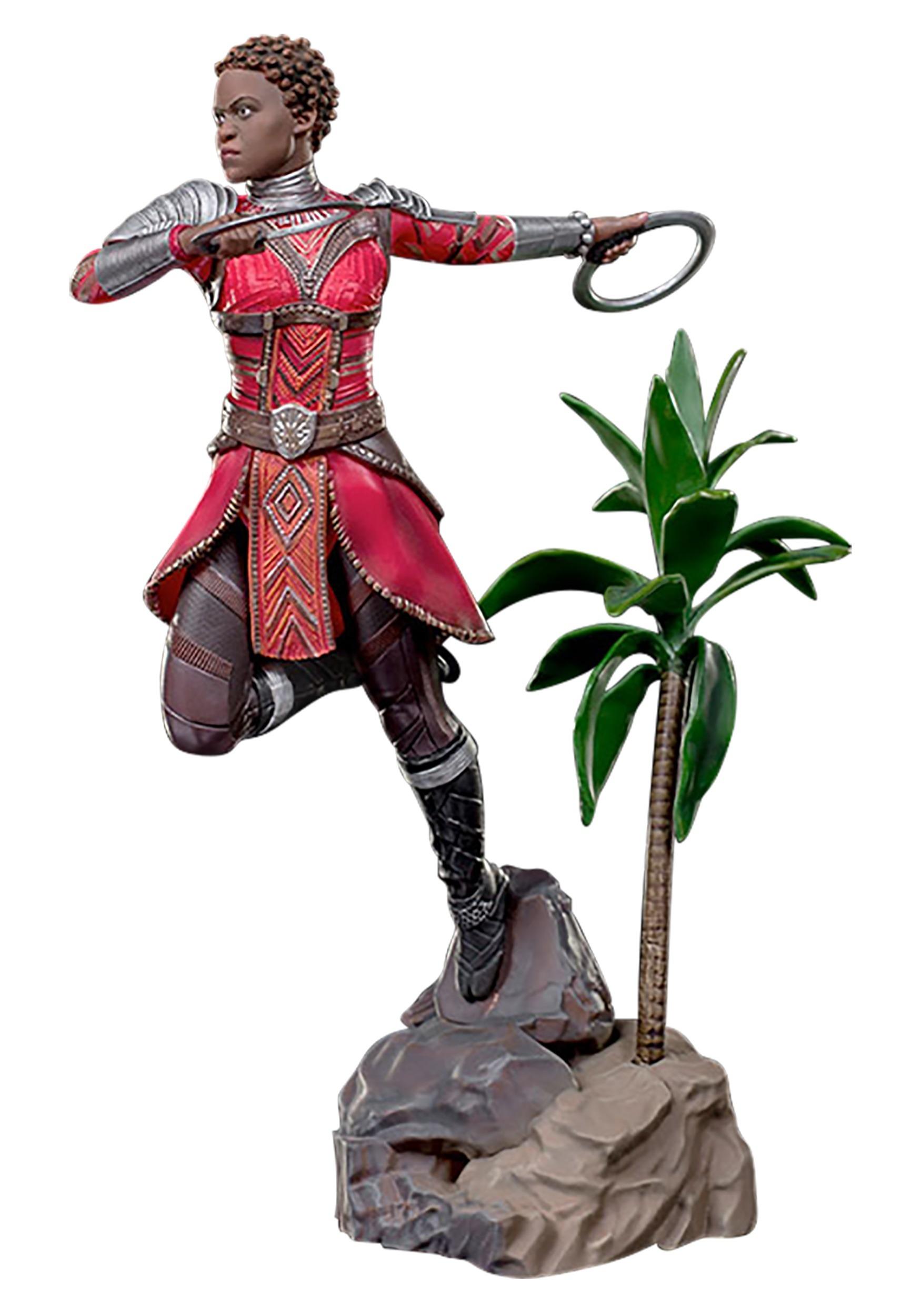 "Battle_Diorama_Statue_Nakia_""Black_Panther""_Iron_Studios"