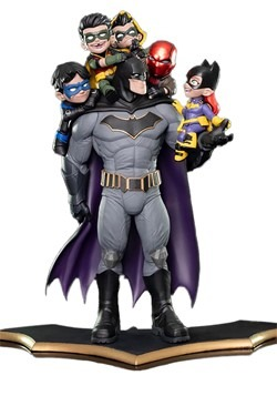 Quantum Mechanix Batman Family Q-Master Statue