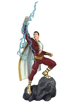 DC Gallery Shazam Comic PVC Figure