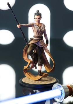 Star Wars Rey Descendant of Light ArtFX Artist Series Statue